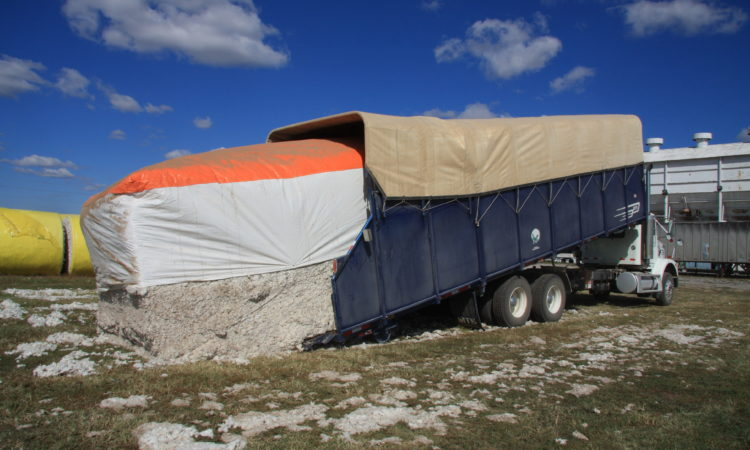 cotton module truck loading